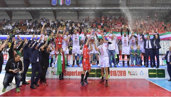 SUPERLEGA. La Lube è Campione d'Italia, sconfitta la Sir Safety al tie break