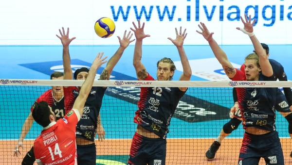 SUPERLEGA. Vero Volley spettacolo all'Arena: Ravenna battuta 3-1